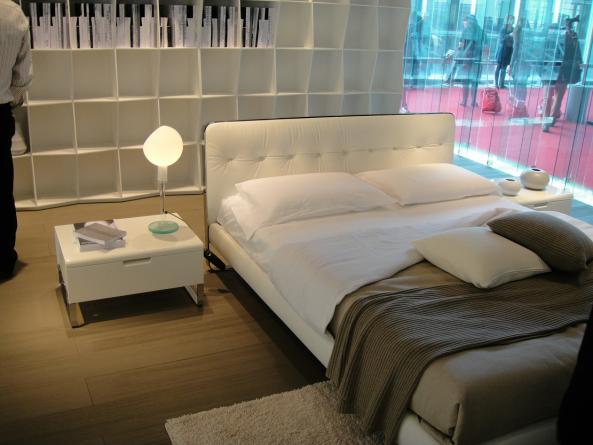 Meubles lit c636 montr al lits lit c636 meubles for Lit design montreal