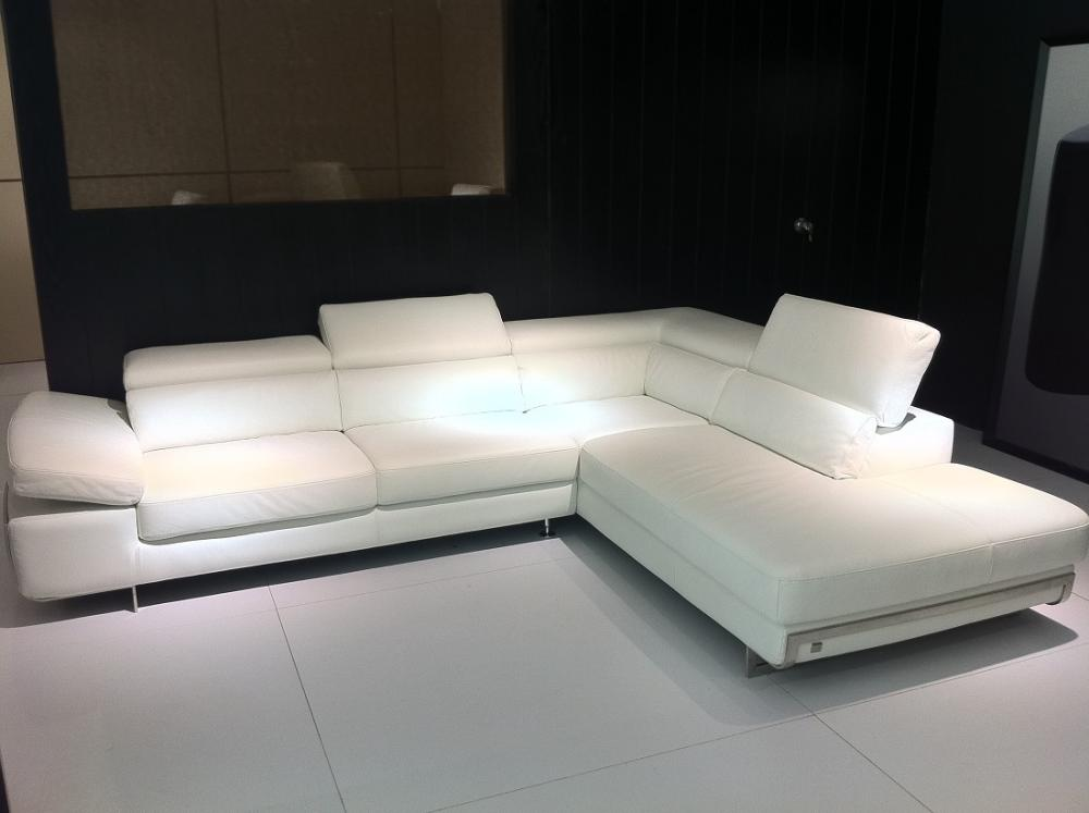 Meubles sofa calia 965 en d mo montr al sofa for Meuble italien montreal