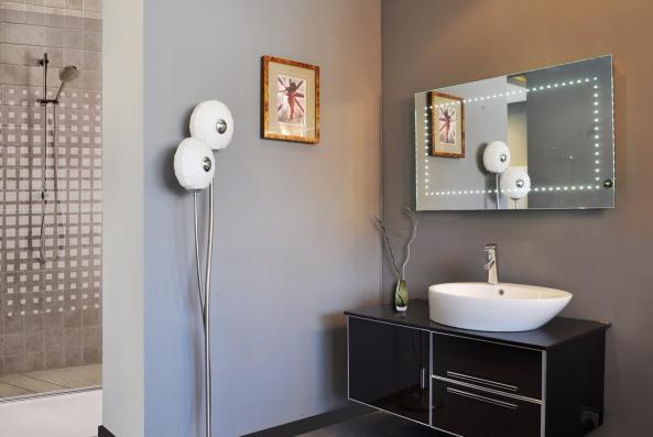 Meubles miroir led sparkle 76120017 en d mo montr al for Miroir salle de bain montreal
